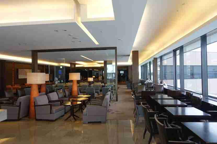 JAL lounge seating 3