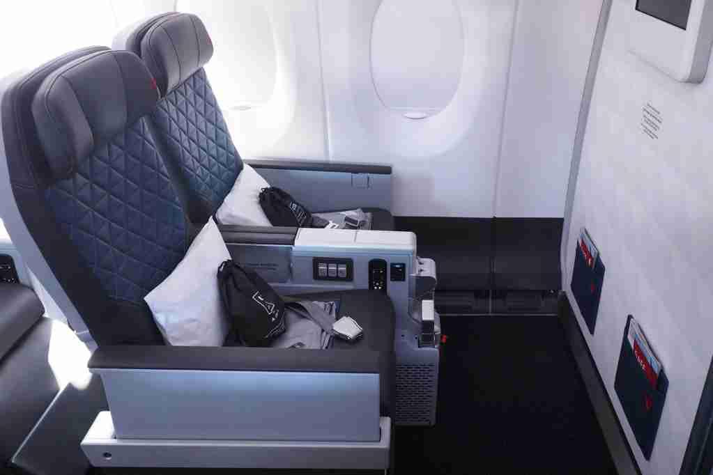 Delta A350 Premium Select