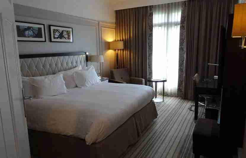 Paris-Room3