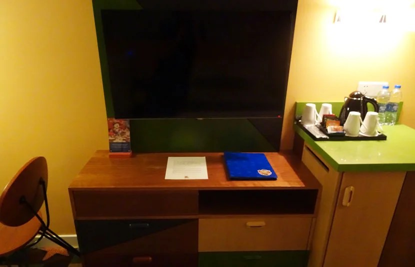 Toy-Story-Hotel-room3