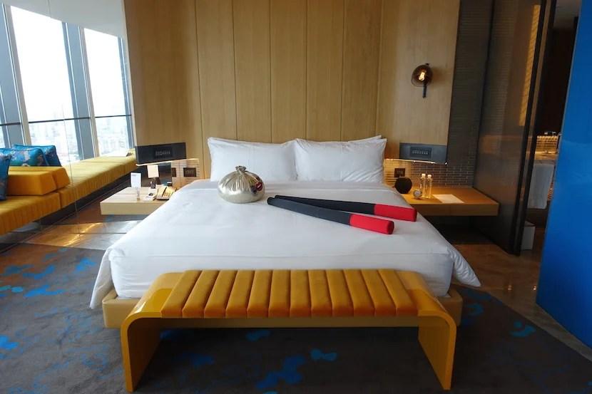 W Shanghai bed head on