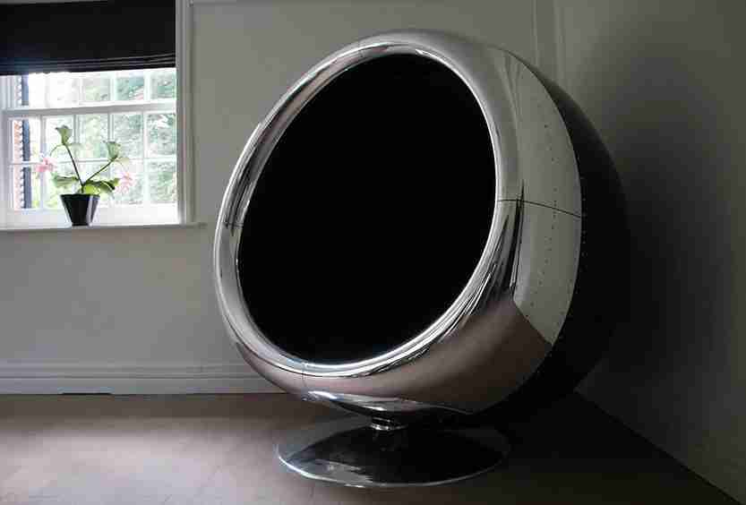 Cowling-Chair-made-from-plane