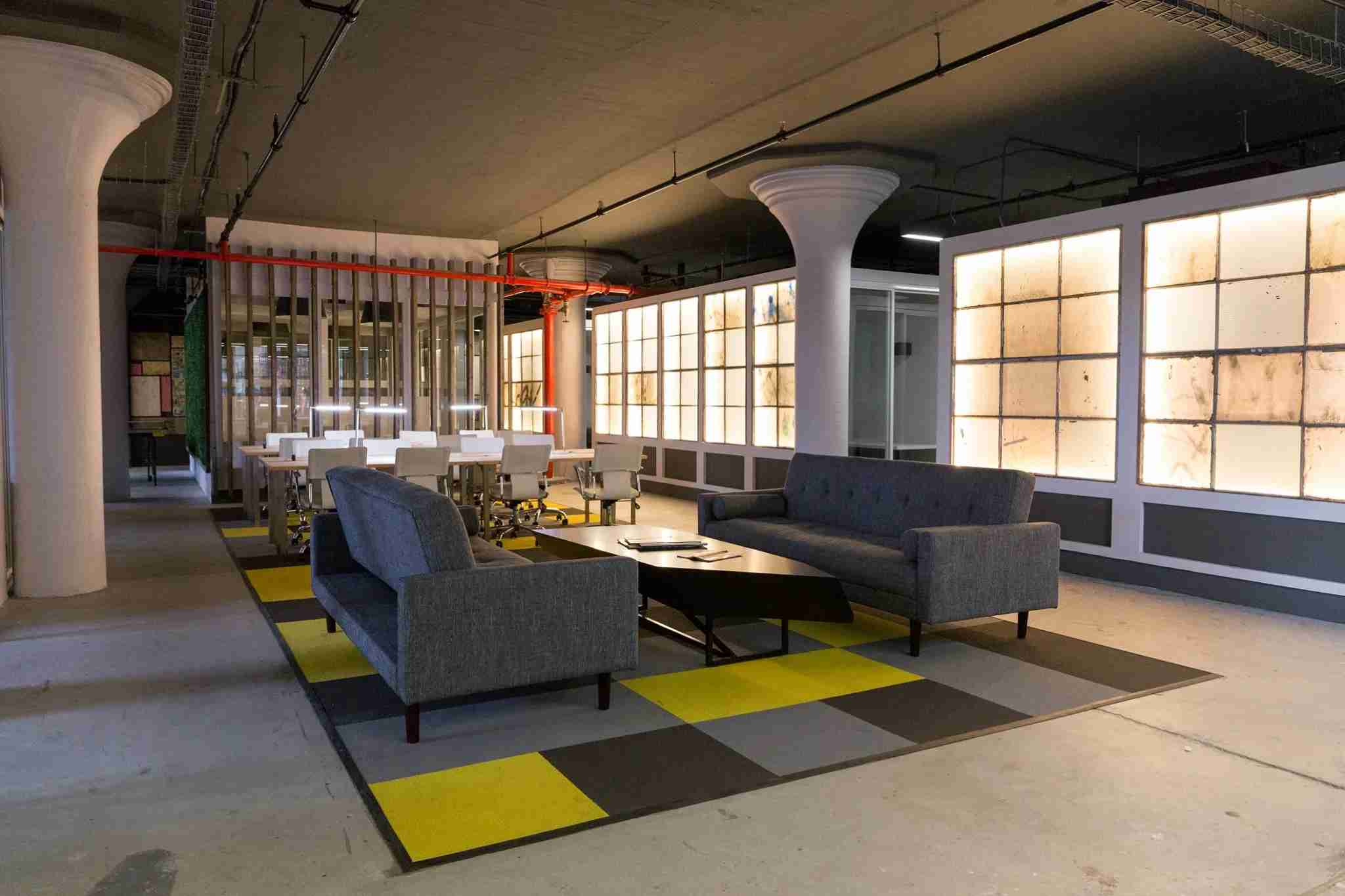 Brooklyn Desks offers hot desks, dedicated desks and private offices (via Brooklyn Desks/Facebook)