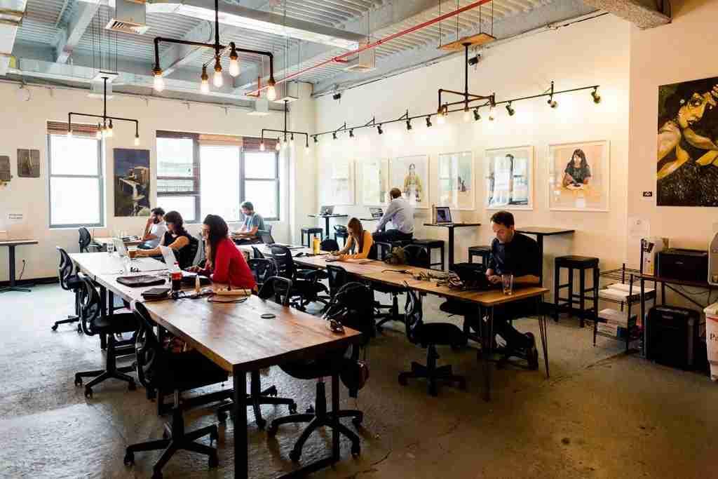 Hot desks at BrooklynWorks (via BrooklynWorks)