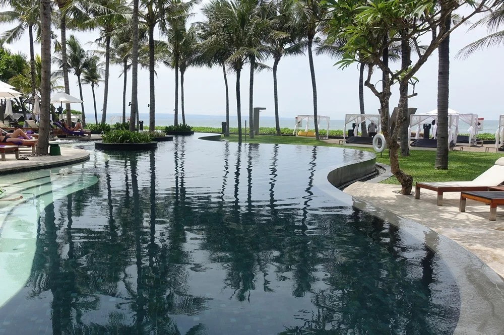 TPG vs. Mount Agung: A Review of the W Bali Seminyak