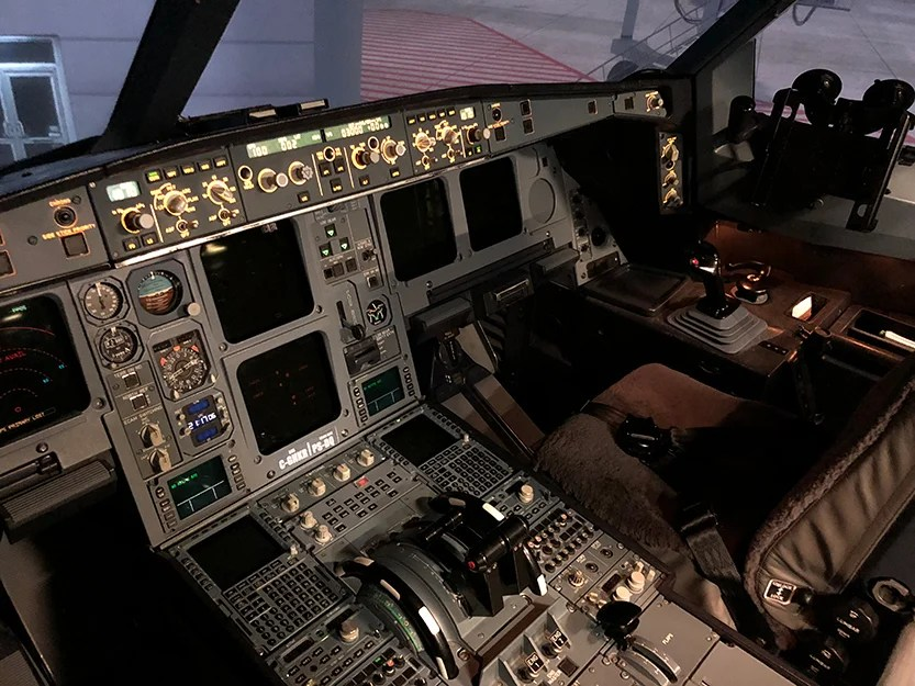 Watch What It's Like to 'Fly' an A330 Flight Simulator