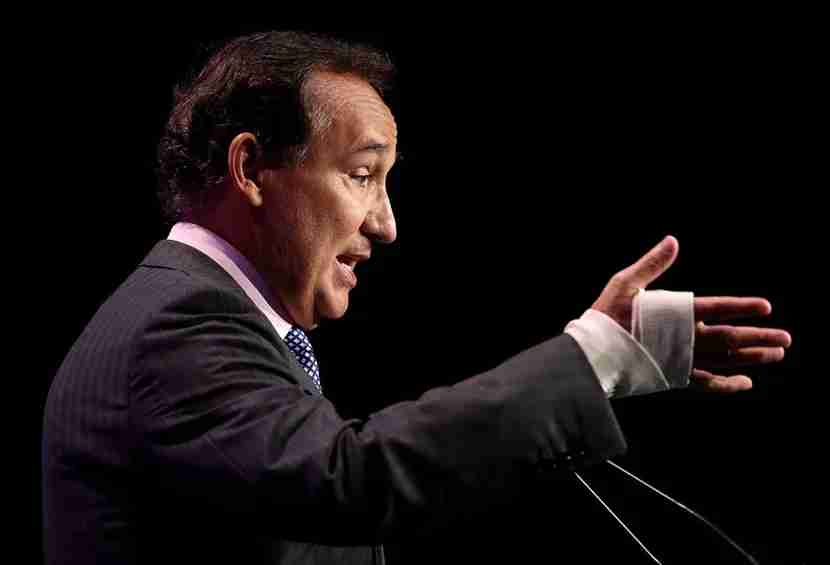 SAN FRANCISCO, CA - JUNE 01: United Airlines CEO Oscar Munoz speaks during the 107th Annual San Francisco Travel luncheon on June 1, 2017 in San Francisco, California. Oscar Munoz delivered remarks at the 107th San Francisco Travel lunch that was celebrating the 50th anniversary of the Summer of Love. (Photo by Justin Sullivan/Getty Images)