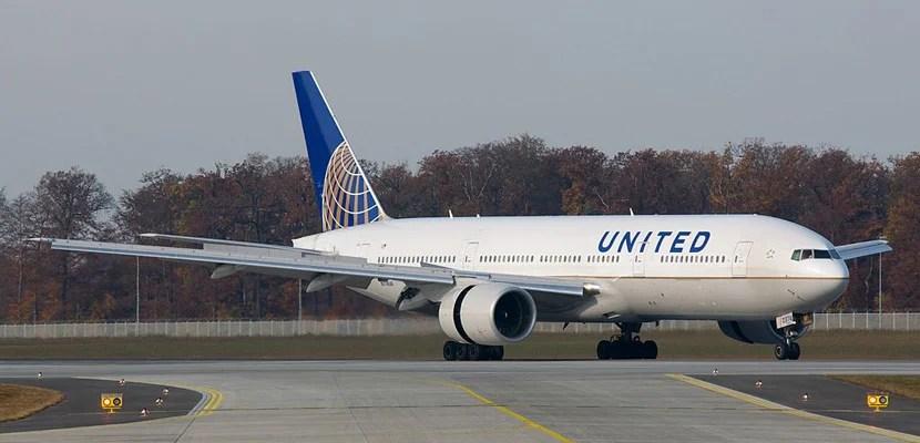 United Express Flight 3411 incident