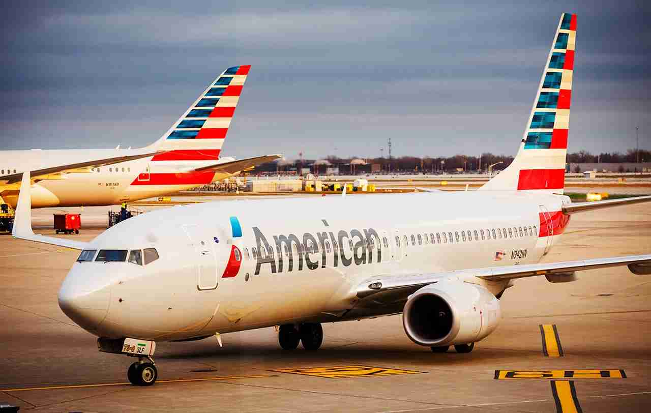 American Airlines plane heads to the gate at Chicago