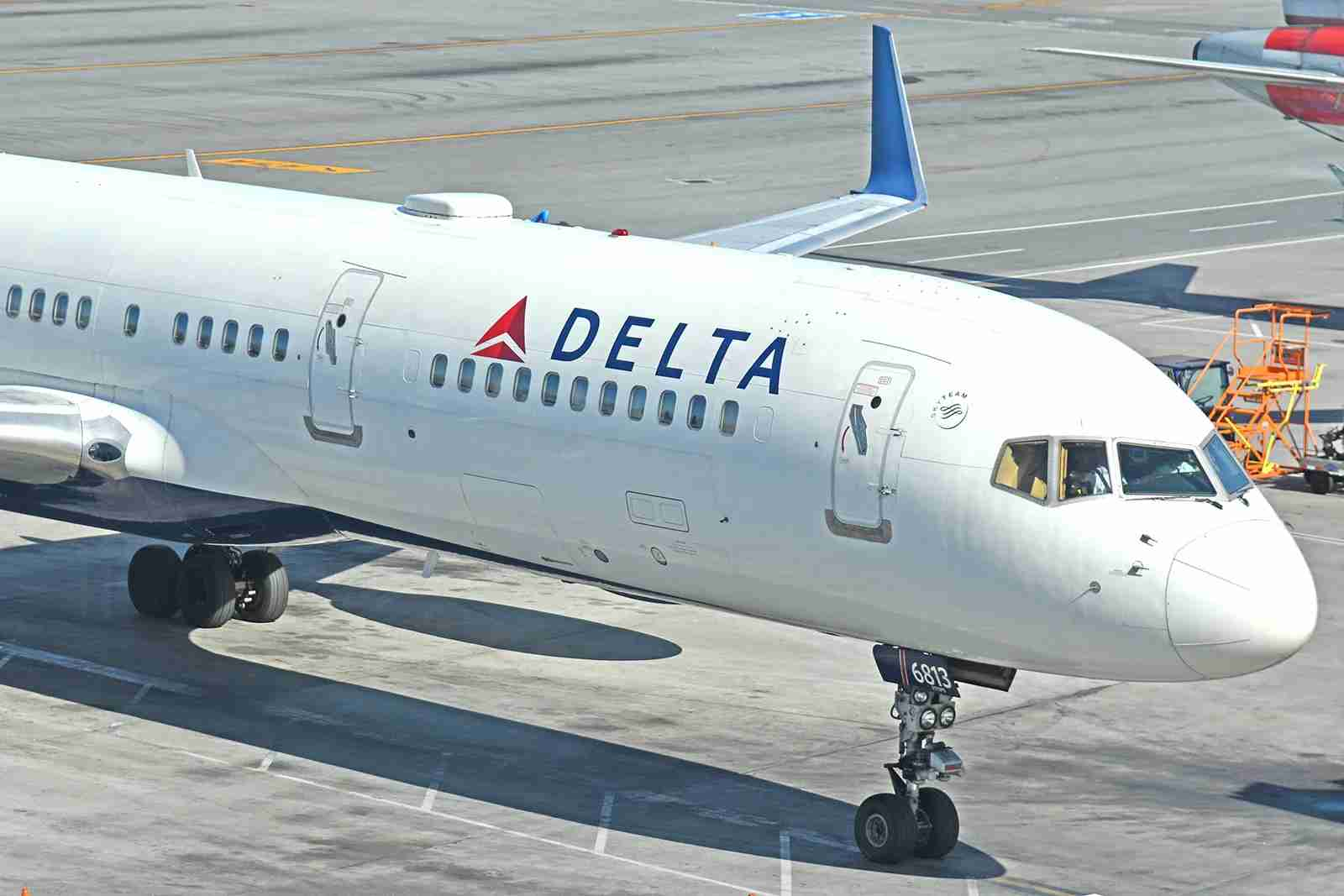 A Delta Boeing 757-200 at the San Francisco Airport in October 2017. Photo by Alberto Riva / The Points Guy