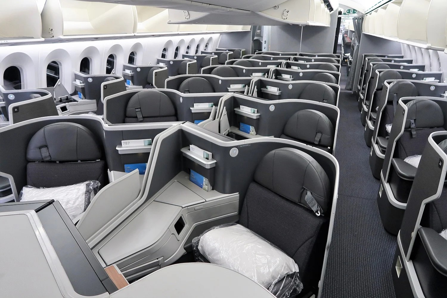 A Tour Of American Airlines Boeing 787 9 Dreamliner