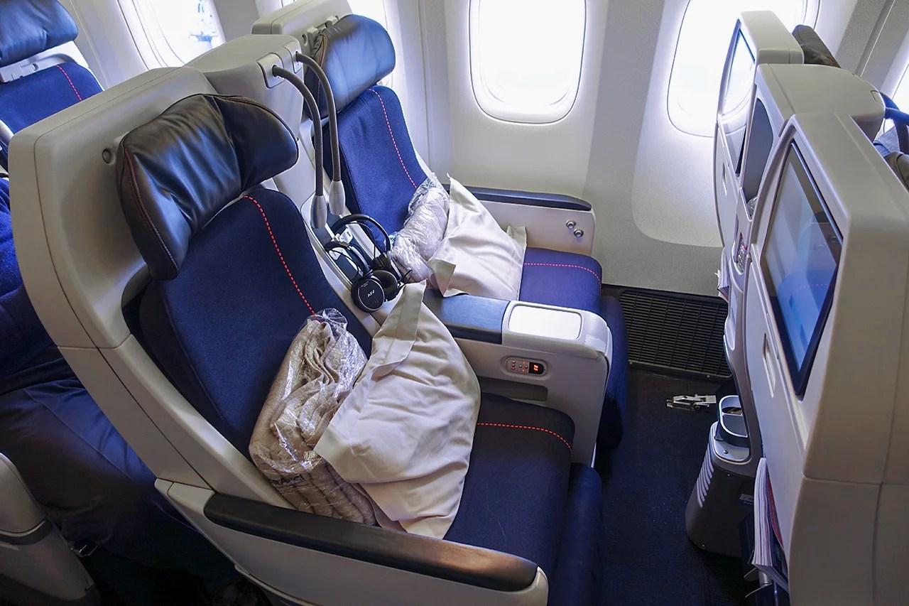 review air france 777 premium economy, nyc paris single person jet personal plane ory electric plane #10