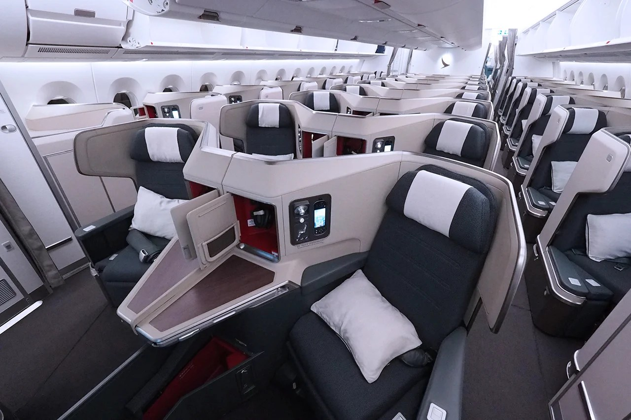 HURRY: Cathay Pacific Business Class Flights for Less Than $700 Round-Trip