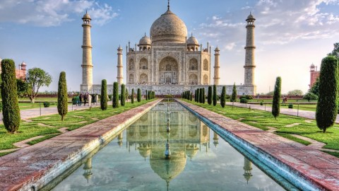 Taj Mahal Is Turning Yellowish Green Because of Pollution