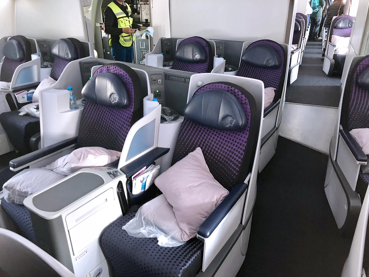Review Aeromexico 787 8 Business Class From Mex To Scl Wiring Issues Also Has Larger 9 Dreamliners In Its Fleet And These Planes Come Equipped With A Much More Desirable Reverse Herringbone 1 2 Configuration