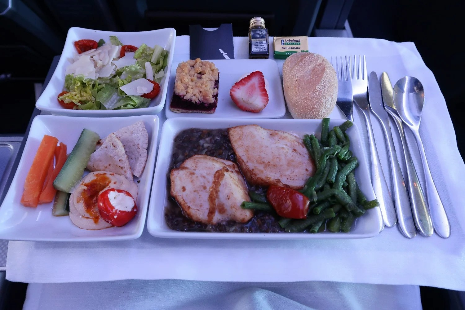 Could American's new DFW catering kitchen help with on-time flights?