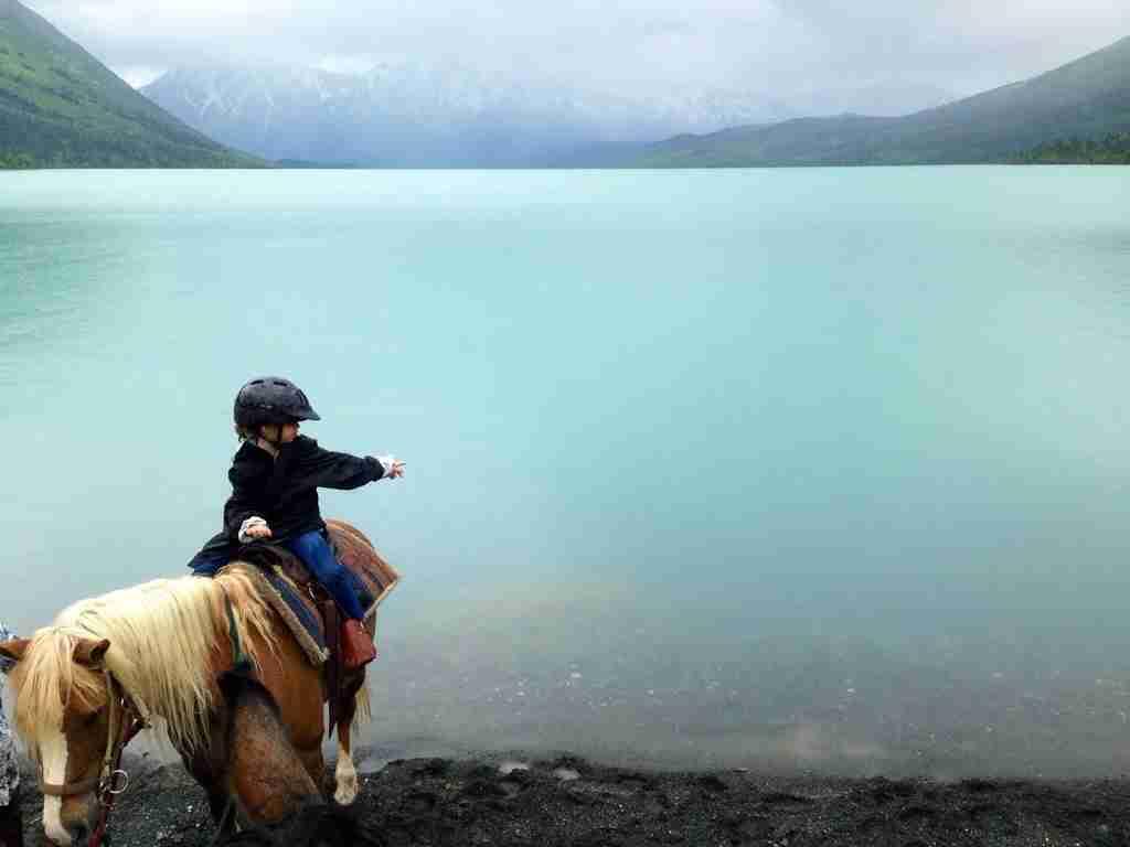 Horseback rides through Alaska