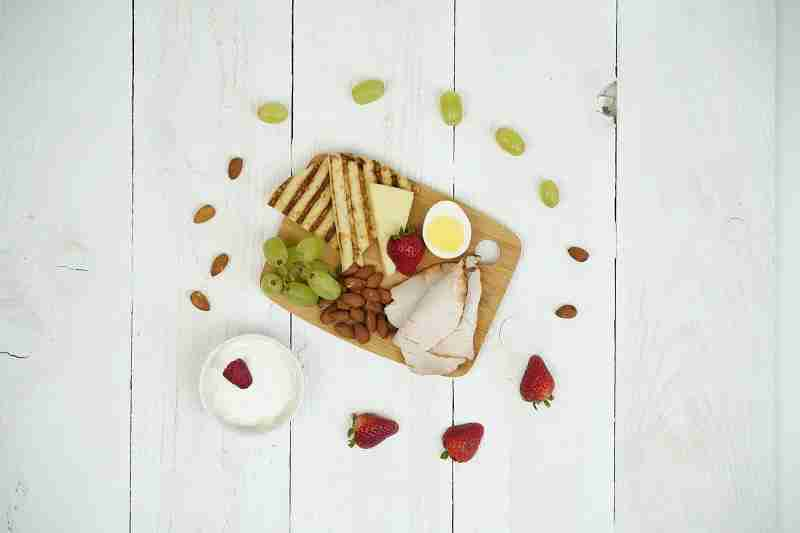 Fresh start protein platter. Image courtesy of Alaska Airlines.