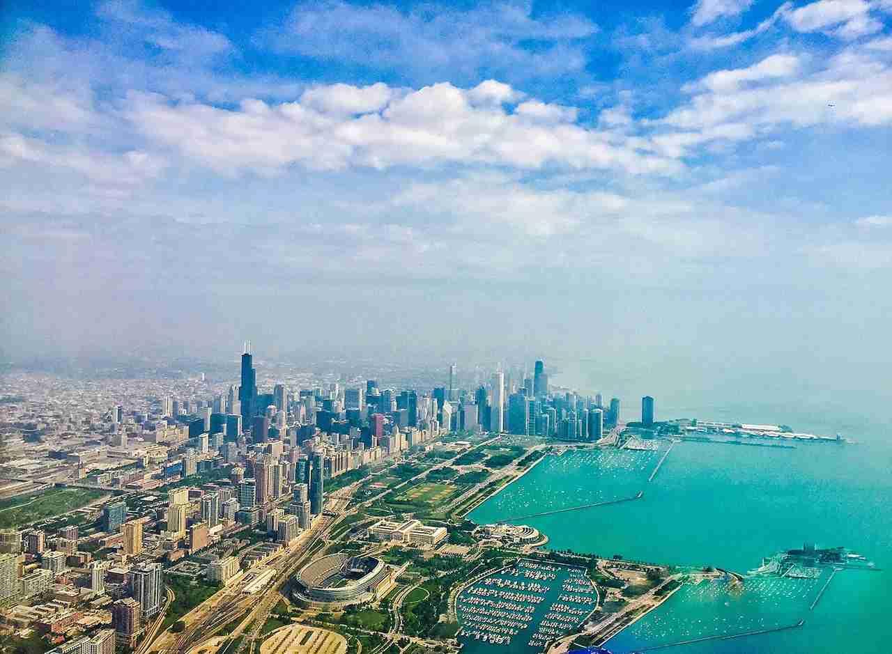Lake Michigan and the Chicago skyline. (Photo by @kmaria75 via Twenty20)