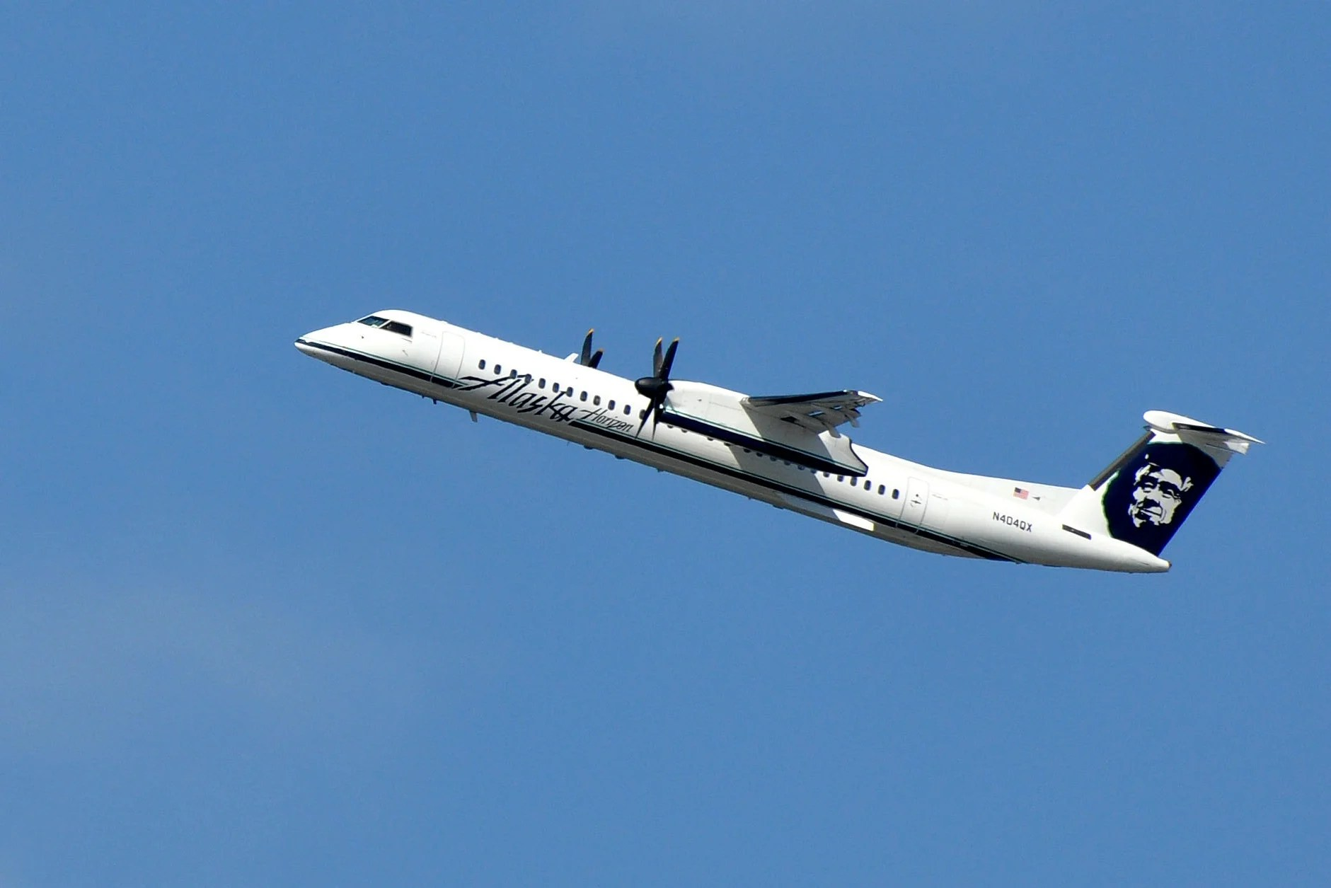 Horizon Air Q400 Crashes After Being Stolen From Seattle