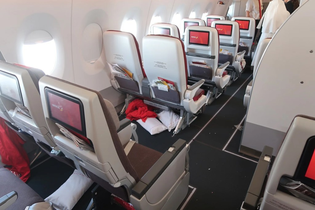 Review Iberia A350 900 In Economy From Madrid To Nyc