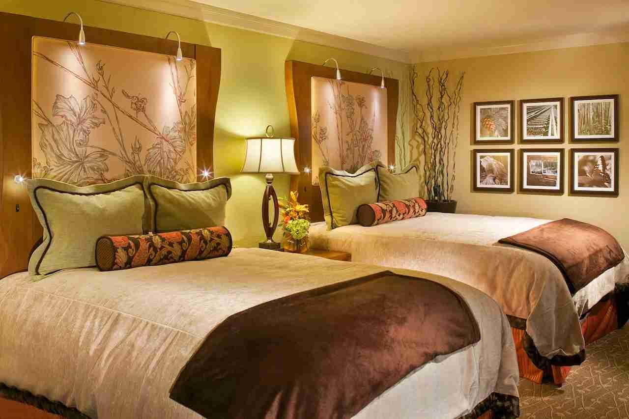 Queen Room Cheyenne Mountain Resort