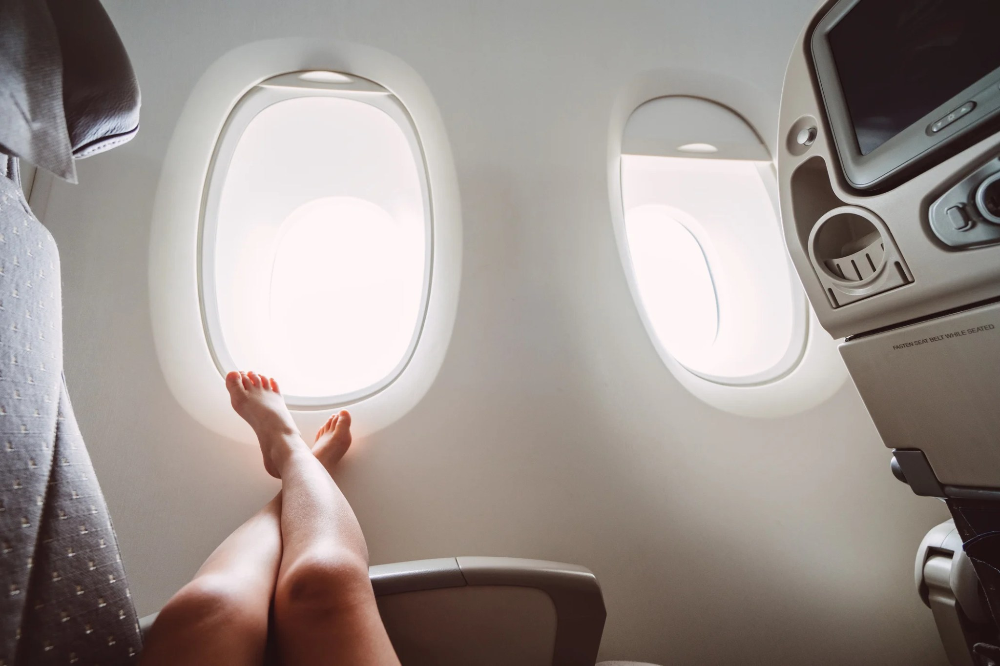 The Unbreakable Rules For Going Shoeless On A Plane