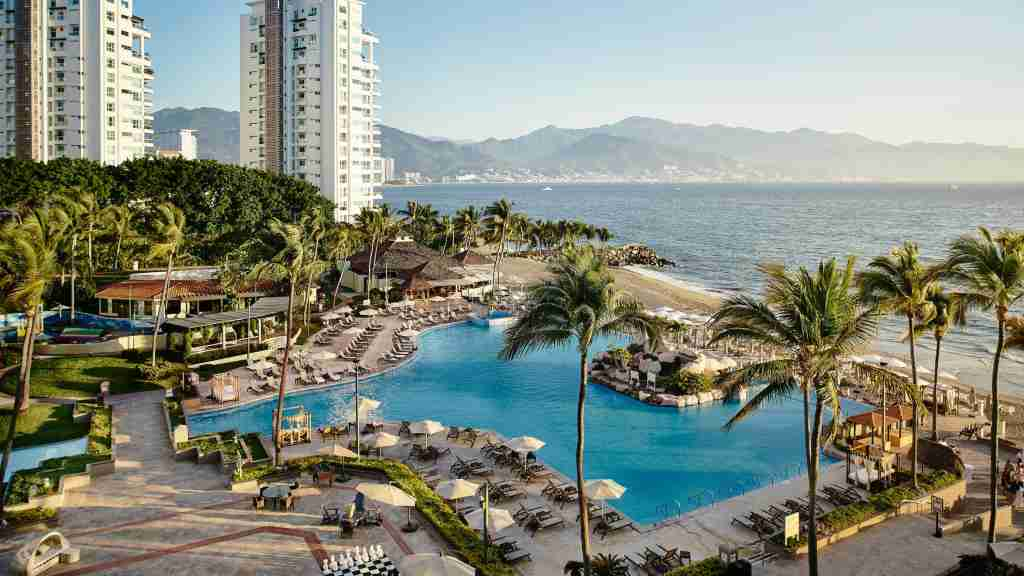 Marriott Puerto Vallarta (photo courtesy of hotel)