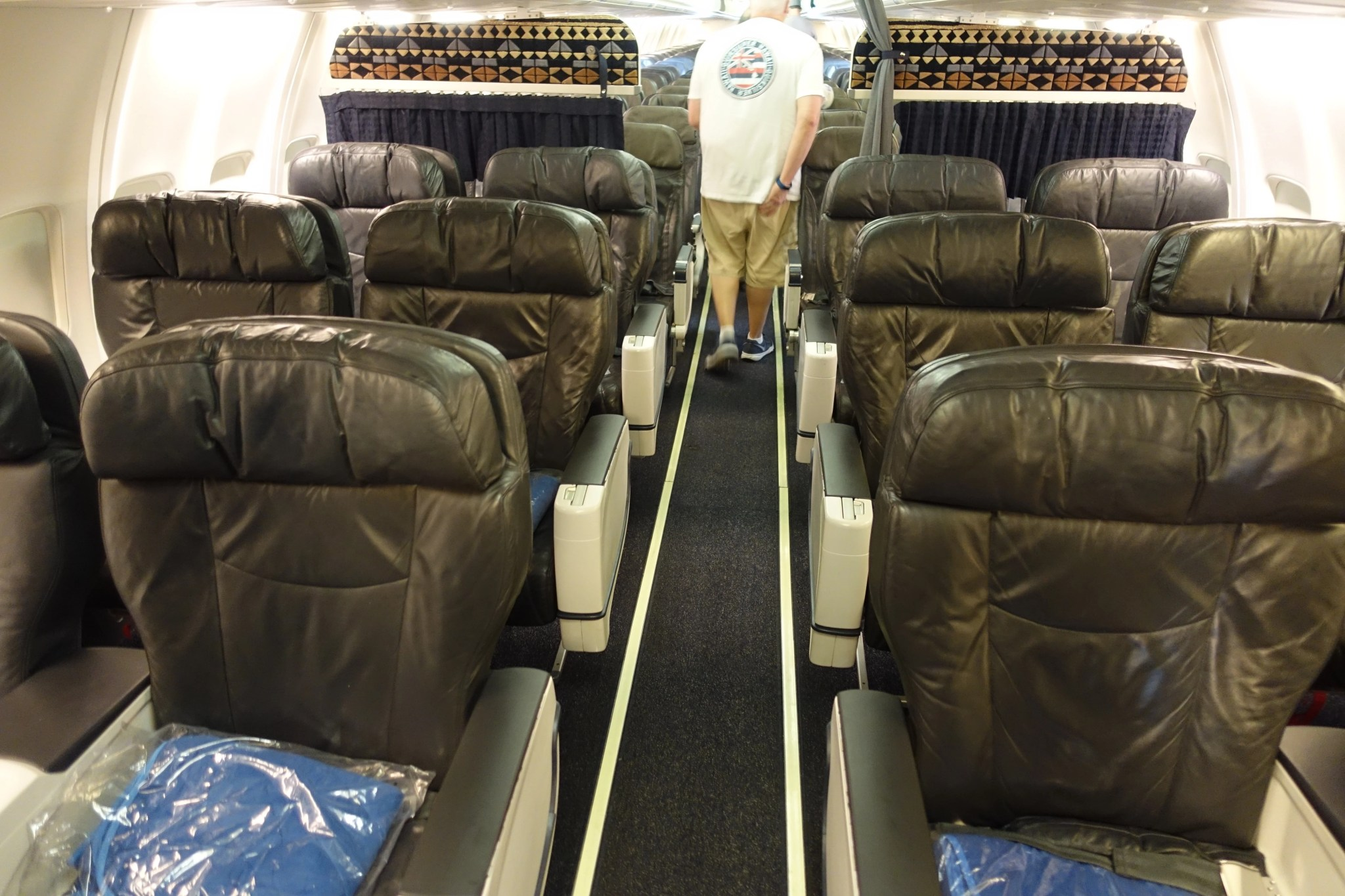 Review Alaska 737 In First From Kauai To Oakland