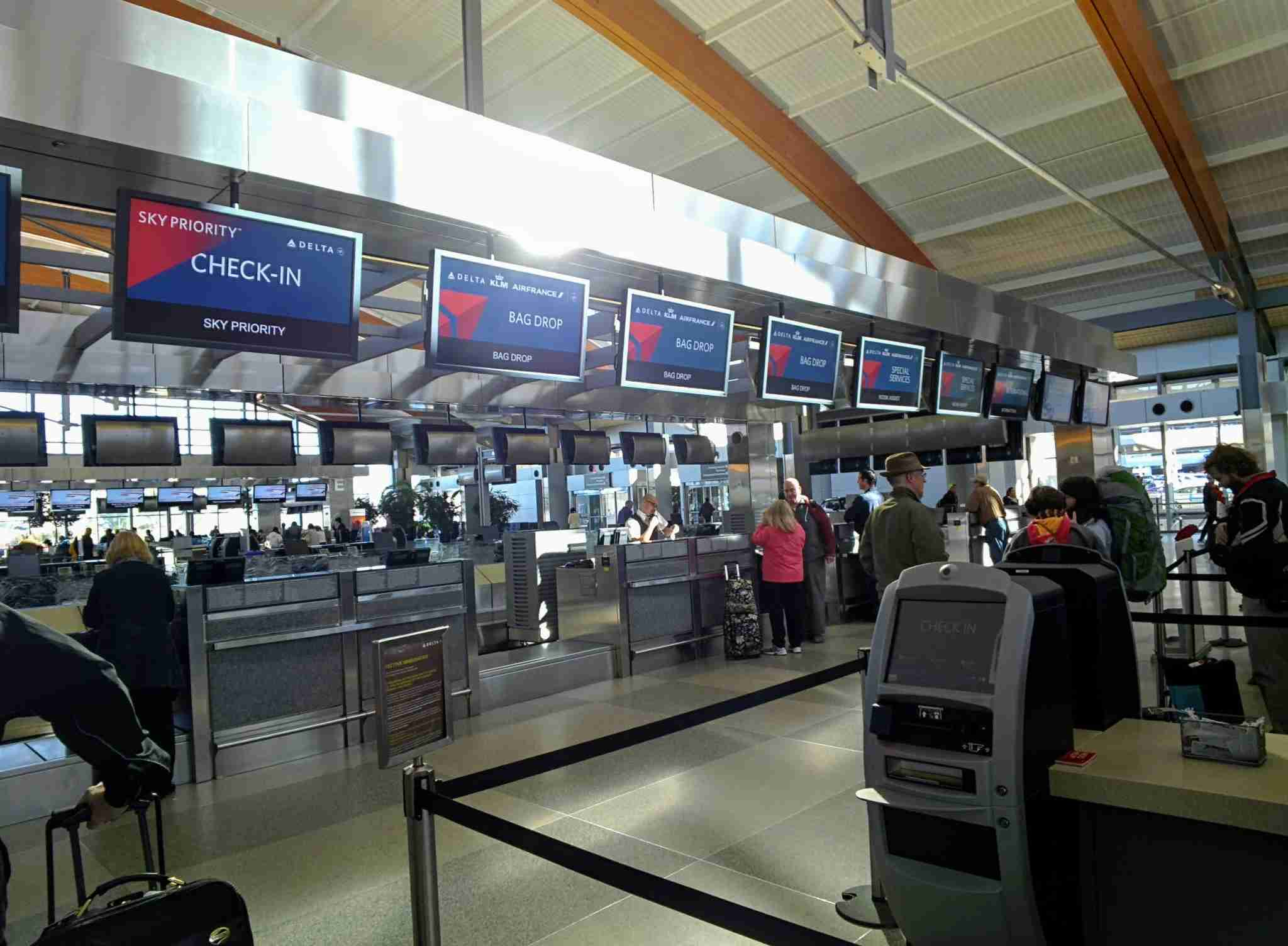 Delta Check-in Counters at RDU Airport (Photo by Darren Murph / The Points Guy)