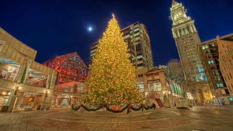 Boston Christmas Lights.Boston S Holiday Happenings For Families