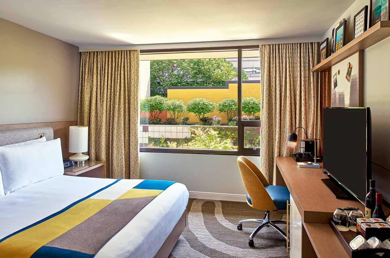 Hotel Modera guestroom