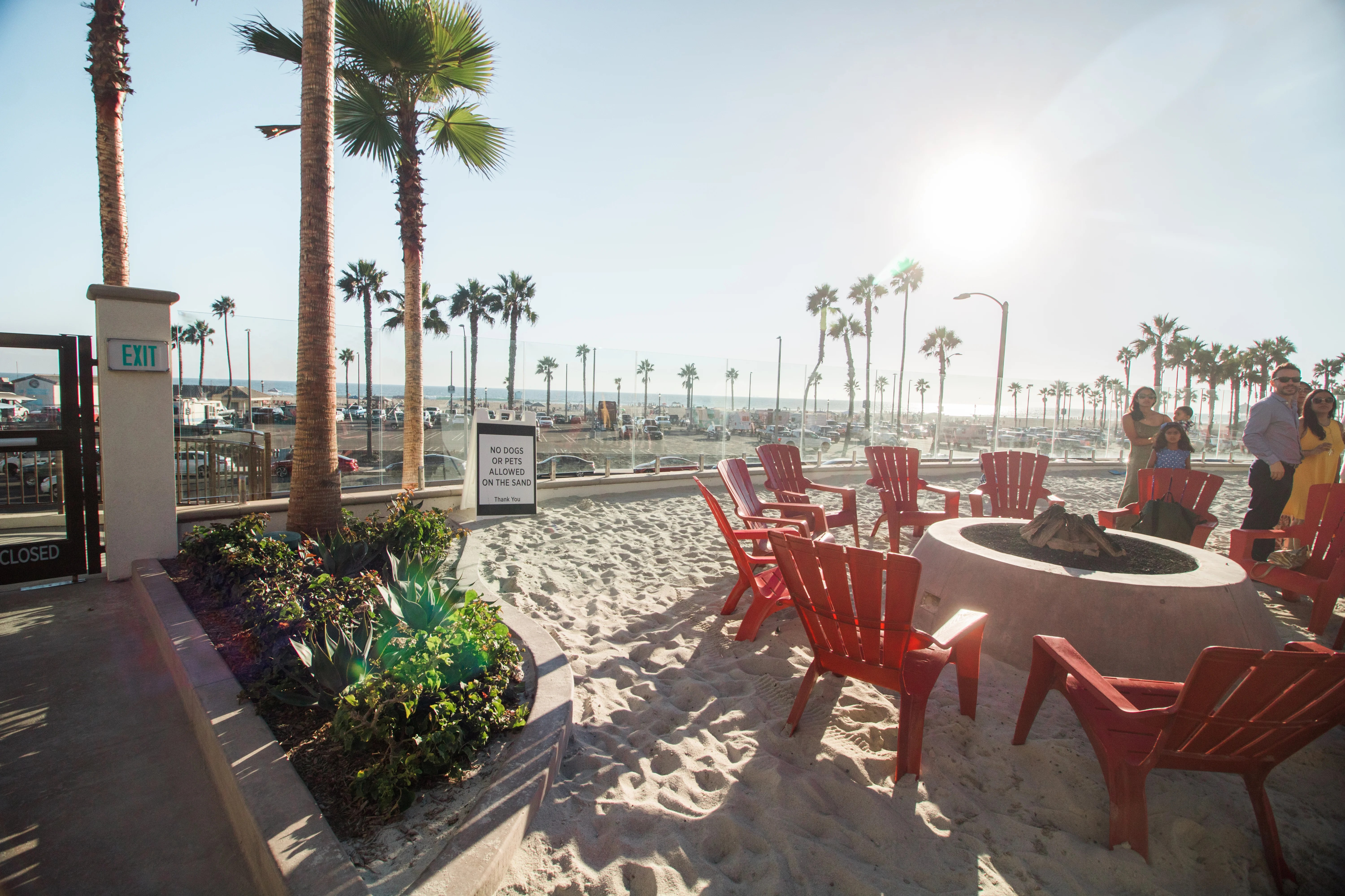 review the waterfront beach resort in huntington beach ca. Black Bedroom Furniture Sets. Home Design Ideas