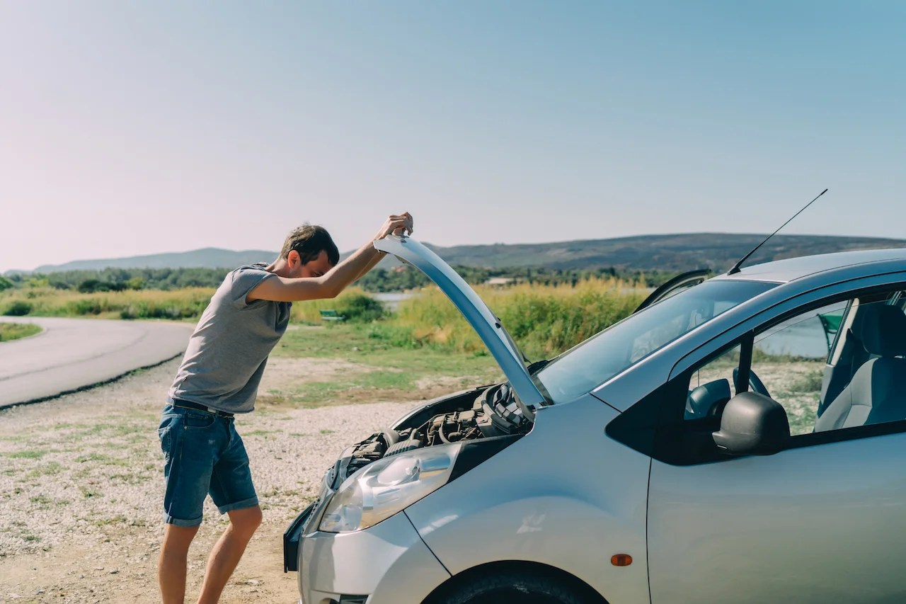 Roadside Assistance And The Credit Cards That Offer It