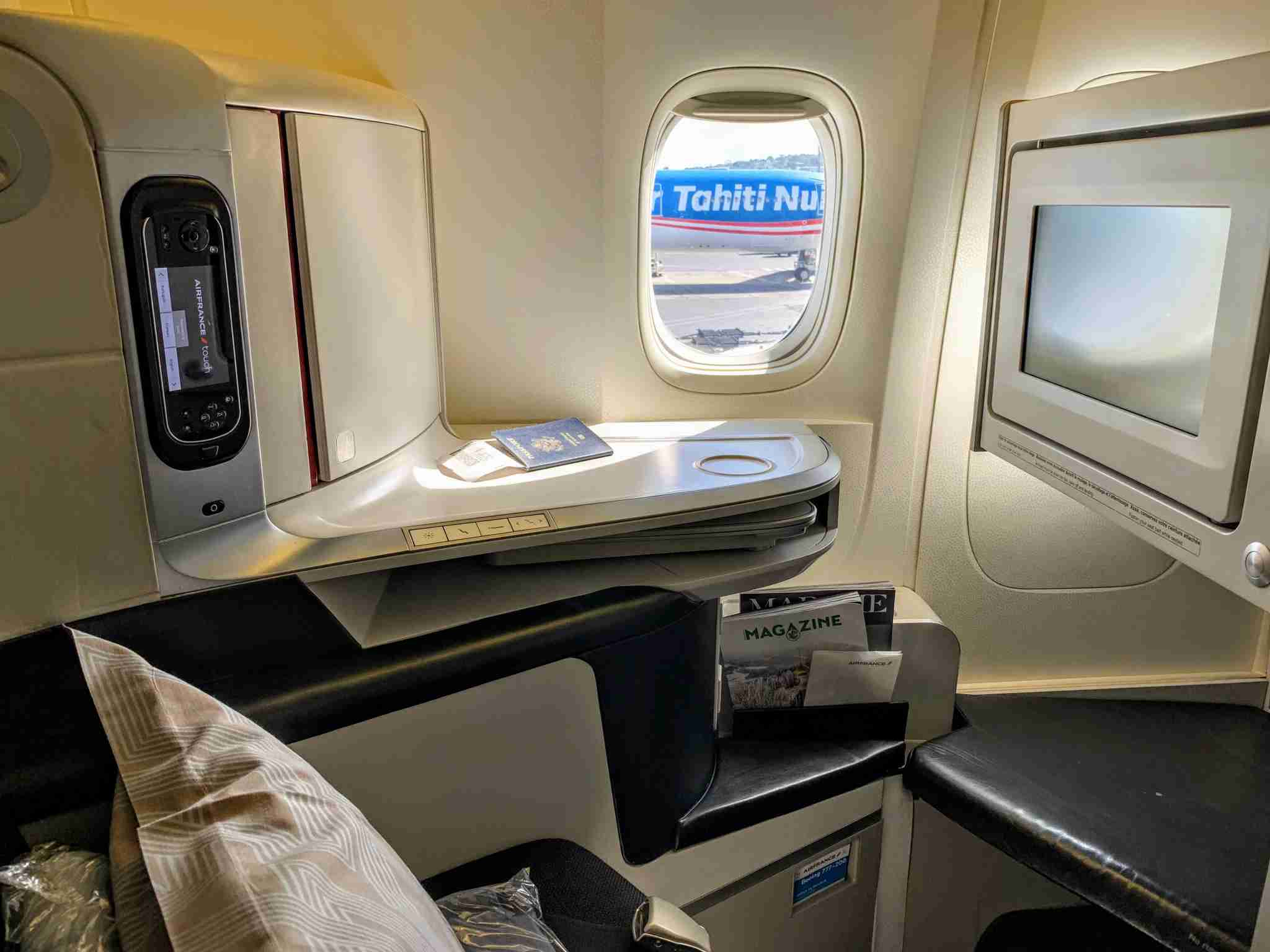 Air France Boeing 777 Business Class Seat tight window