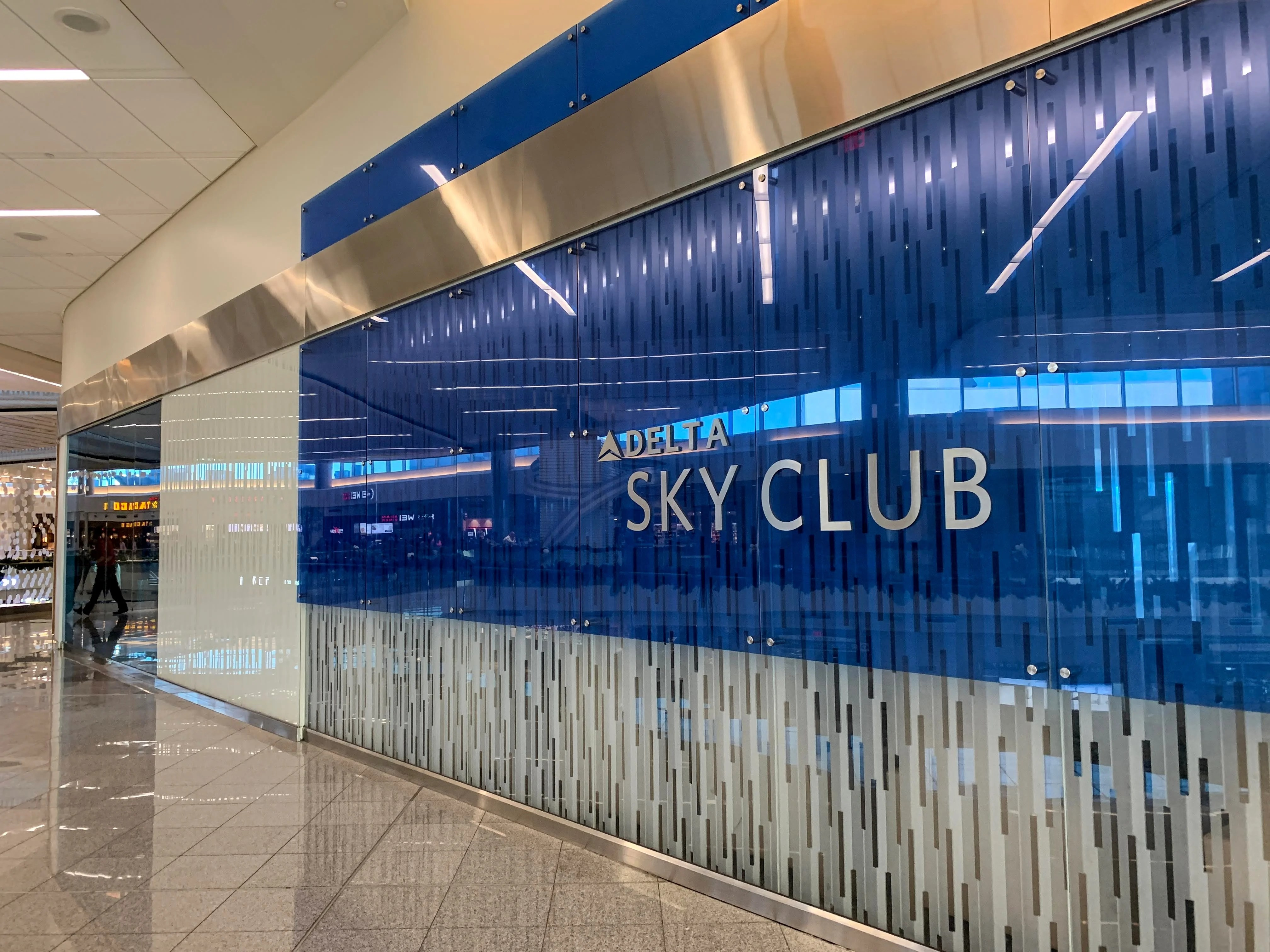 Delta Sky Club Guide How To Get Access The Points Guy