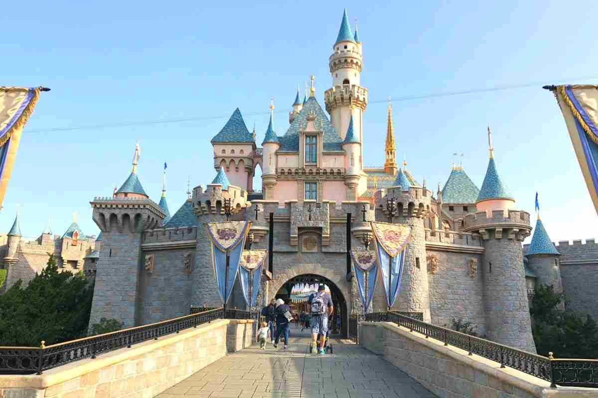 Disneyland Lines - Empty Walkways entering Sleeping Beauty Castle