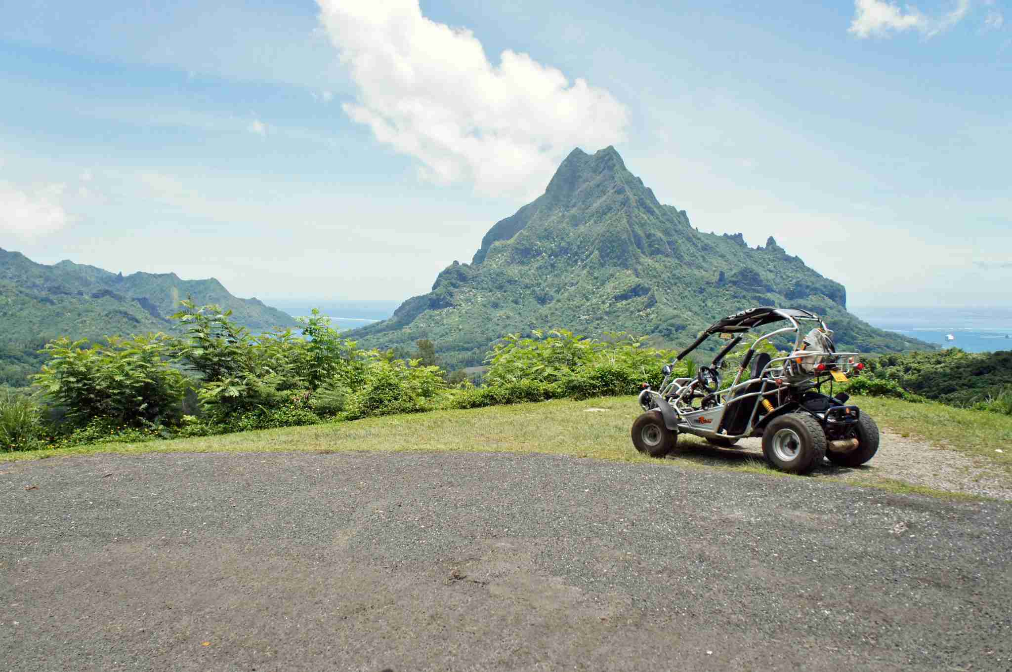 Exploring Moorea via buggy