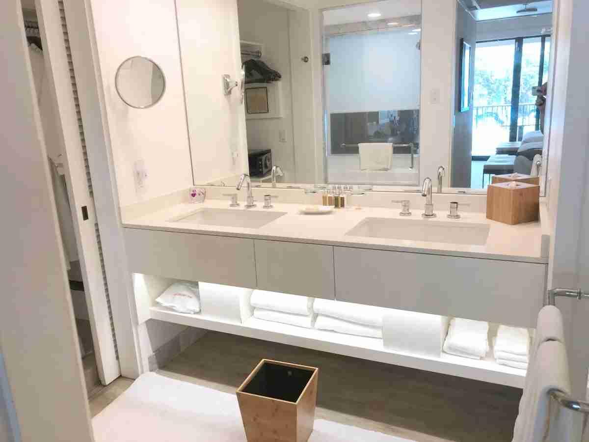 Mauna Kea Beach Hotel - Bathroom Vanity