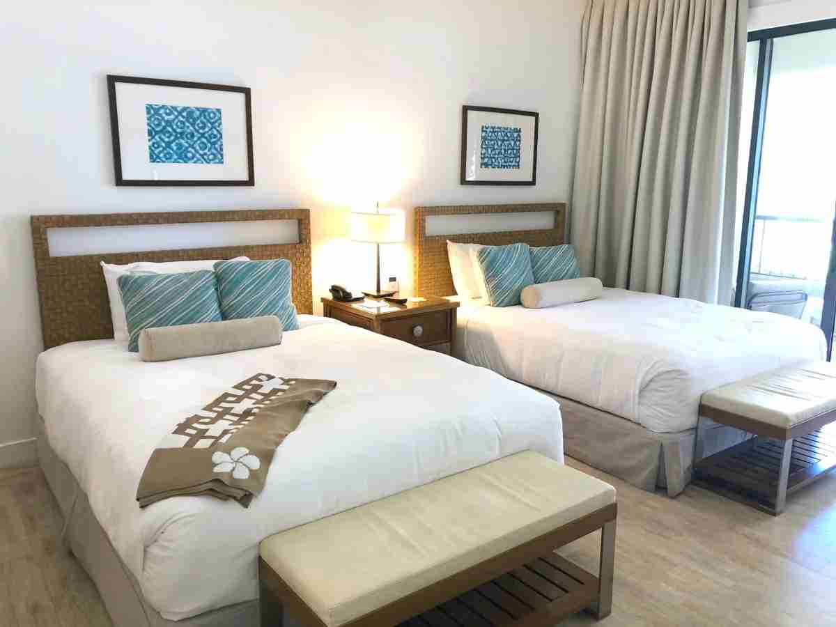 Mauna Kea Beach Hotel - Beachfront Two Queen Room