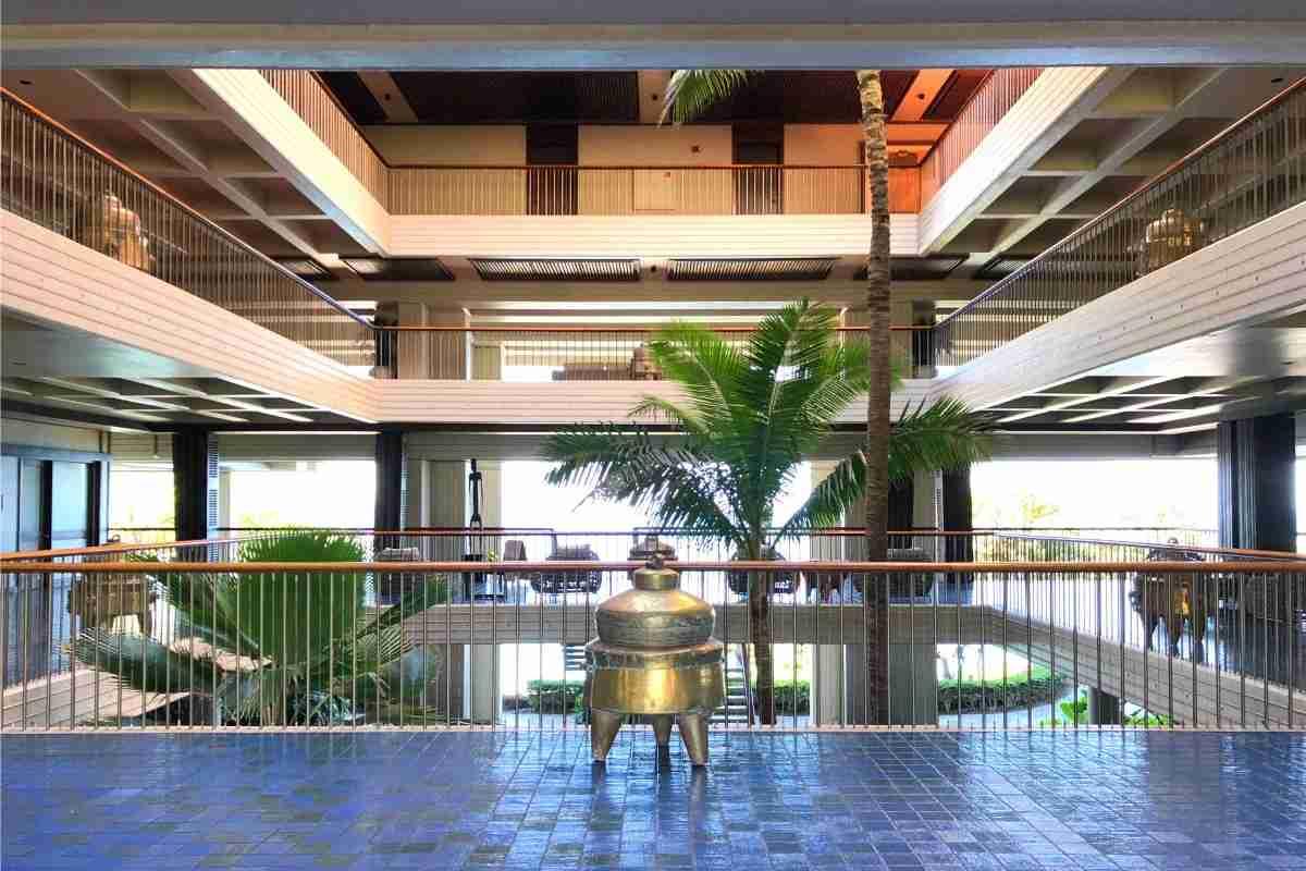 Mauna Kea Beach Hotel Review - Open Air Lobby