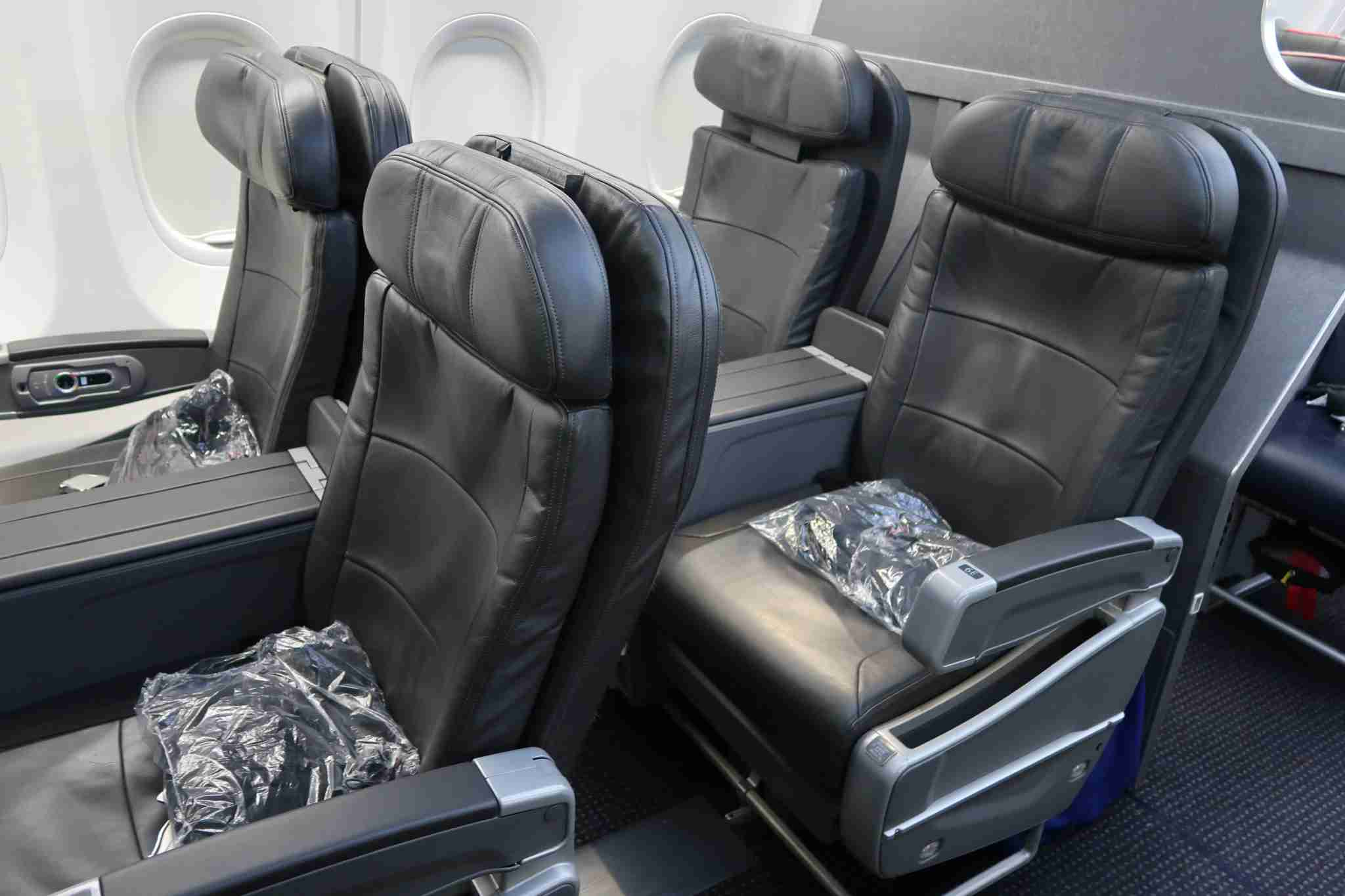 First class seats in a Legacy American Airlines 737-800. (Photo by JT Genter / The Points Guy.)