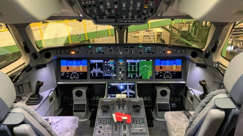 Meet George: When Do Airline Pilots Turn on the Autopilot