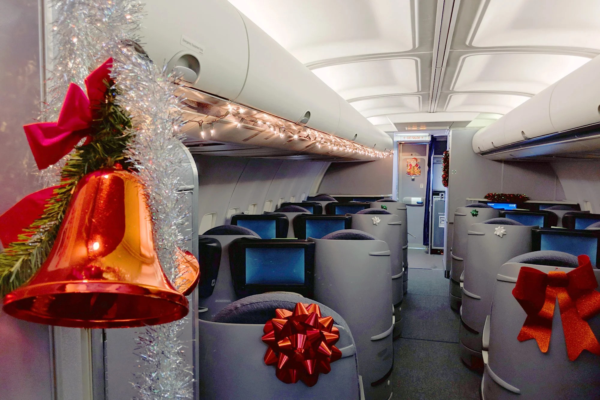 Onboard United's 757 Flight From Newark to the 'North Pole'