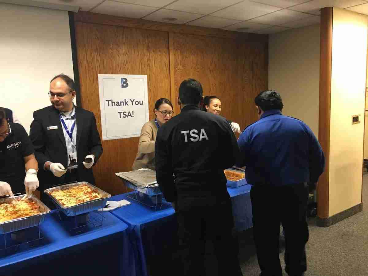 TSA Agents Treated to Lunch by LaGuardia Partners at New York/LGA (Image via @terminalBLGA on Twitter)