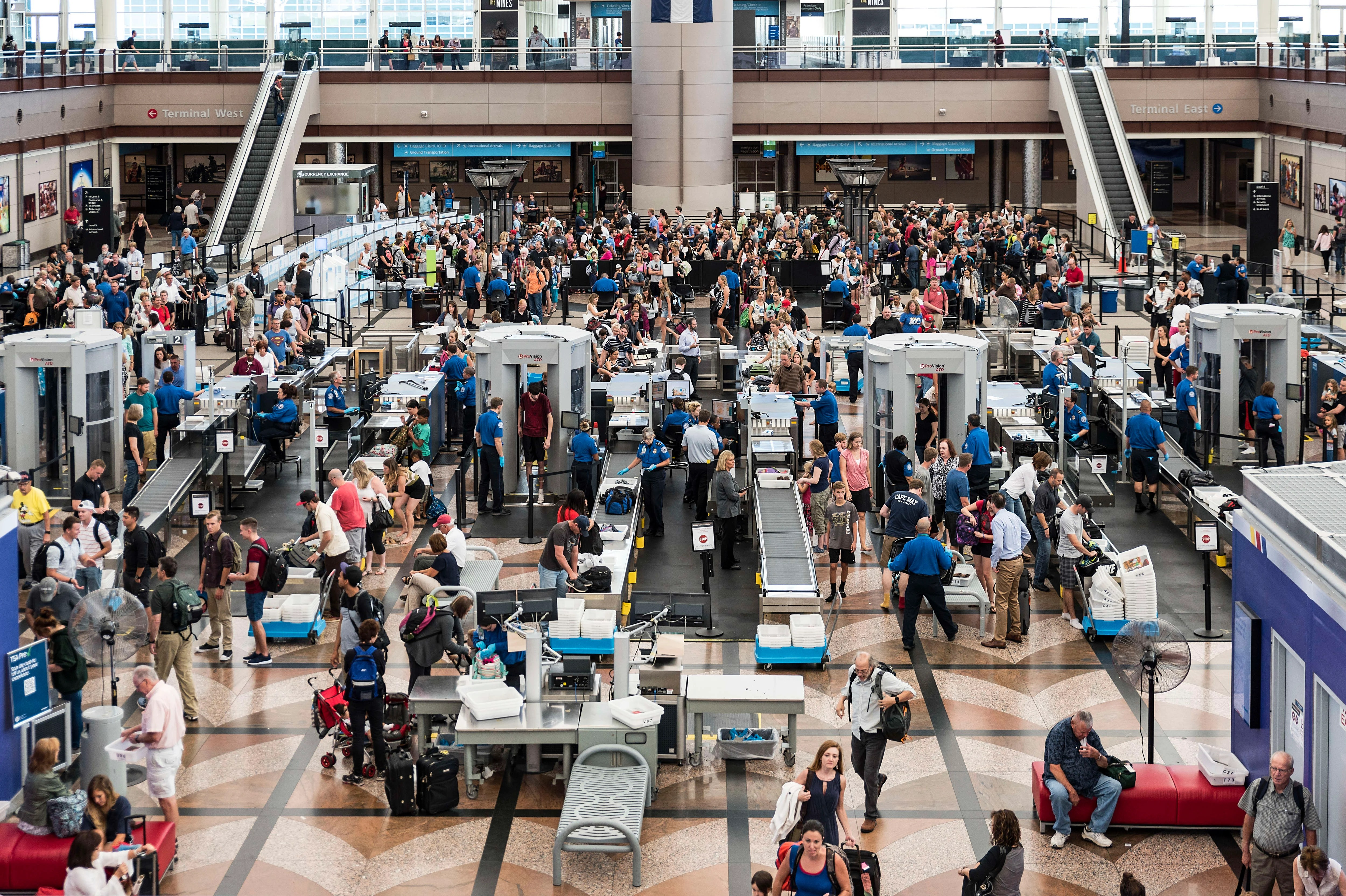 Expect Record Crowds If You're Flying for Labor Day