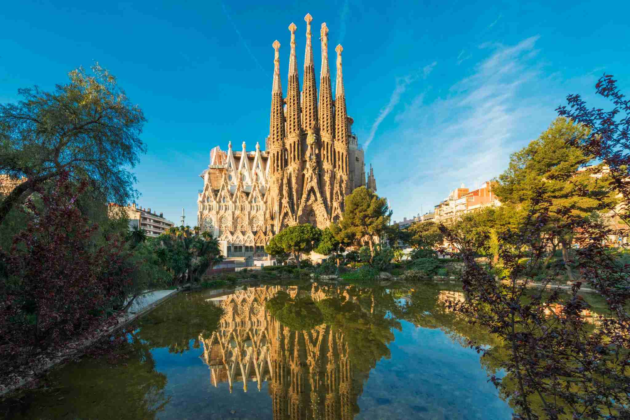 Sagrada Familia (Photo by Tanatat pongphibool ,thailand/Getty Images)