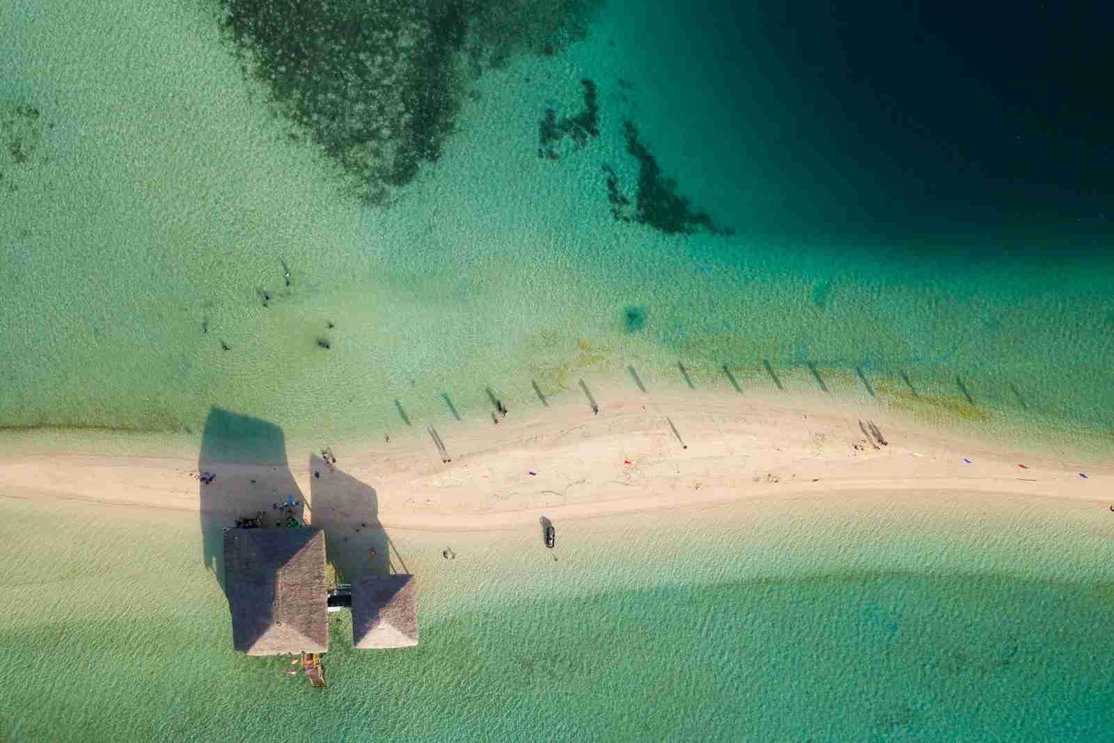 A sandbar in Masbate. (Photo via Shutterstock)