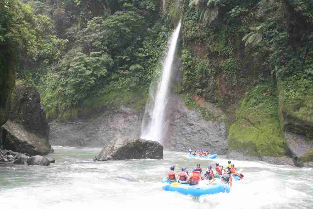 Rafting on Costa Rica