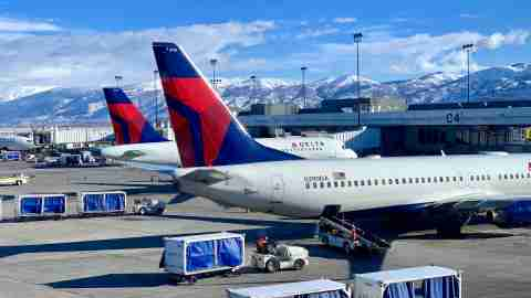 delta planes operations salt lake city slc airport